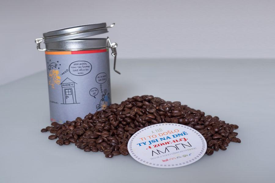Káva v originální Amden plechovce